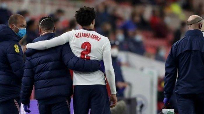 Trent Alexander-Arnold ditarik keluar karena cedera paha kiri pada laga uji coba Inggris vs Austria di Stadion Riverside, Rabu, 2 Juni 2021.