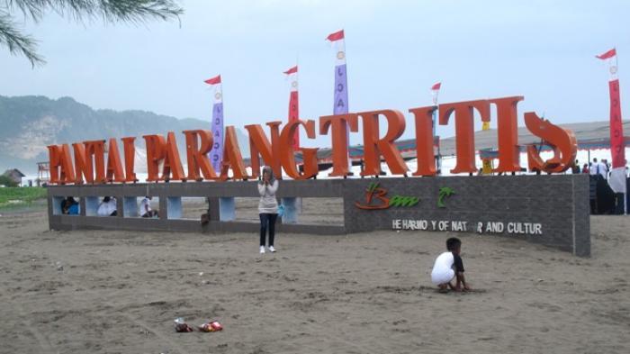 Pantai Parangtritis Jadi Primadona Destinasi Wisata Andalan Di Bantul Tribun Jogja