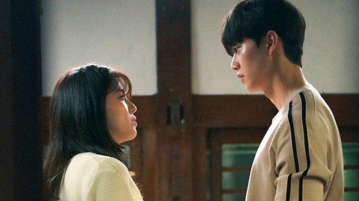 8 ZODIAK yang Kisah Cintanya Lagi Romantis Minggu 12 September 2021 Besok