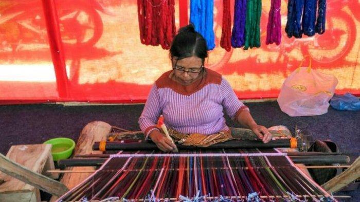 Berkenalan dengan Produk Ekonomi Kreatif di Desa Wisata