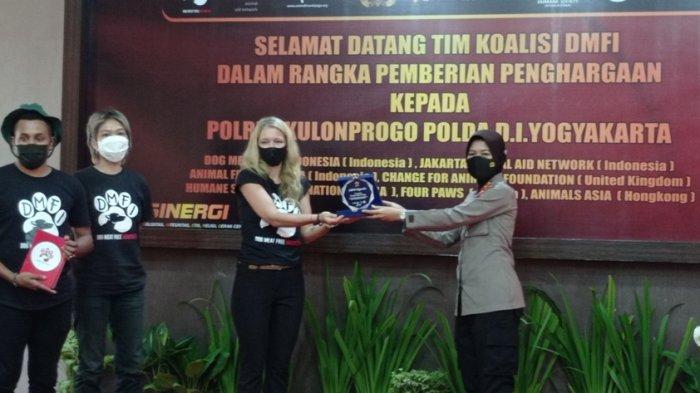 Ungkap Penyelundupan Anjing untuk Diperjualbelikan, Polres Kulon Progo Terima Penghargaan dari DMFI