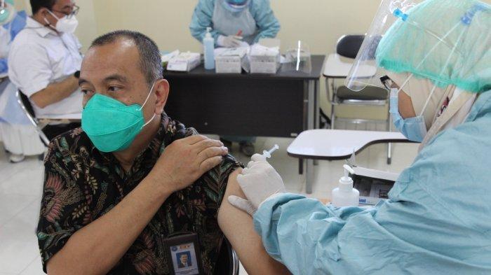 UTY Gelar Vaksinasi Massal untuk Dosen, Tendik dan Lansia