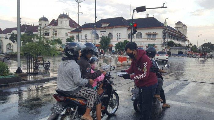 Upaya Edukasi, YNCI Yogyakarta Chapter Bagikan Masker Gratis untuk Pengendara Sepeda Motor