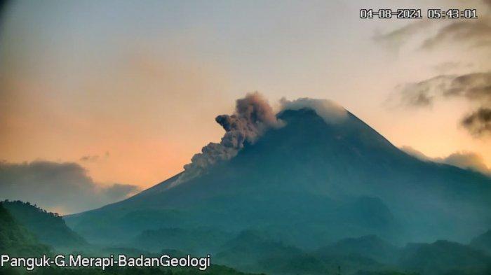 Update Gunung Merapi 4 Agustus 2021, Awan Panas Guguran Meluncur Sejauh 1,4 Km ke Barat Daya