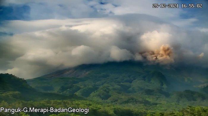 UPDATE Gunung Merapi : Awan Panas Guguran Meluncur hingga 1,9 Km pada Kamis Sore Ini