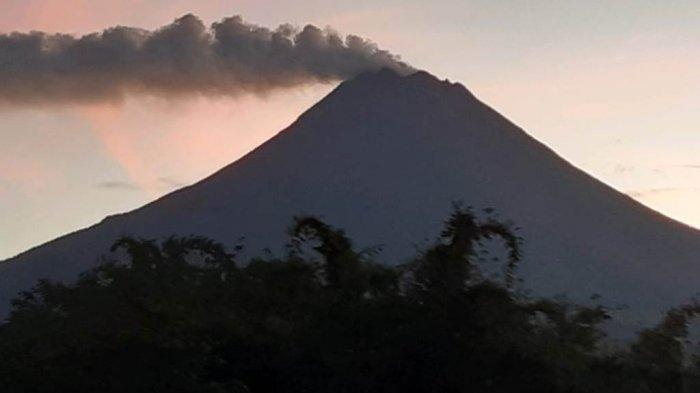 UPDATE Gunung Merapi Pagi Ini Kamis 15 April 2021 : Asap Kawah Membubung 200 M