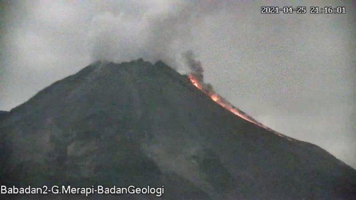 Update Gunung Merapi Senin 26 Maret 2021: 8 Kali Guguran Lava Pijar, Jarak Luncur hingga 2 Km