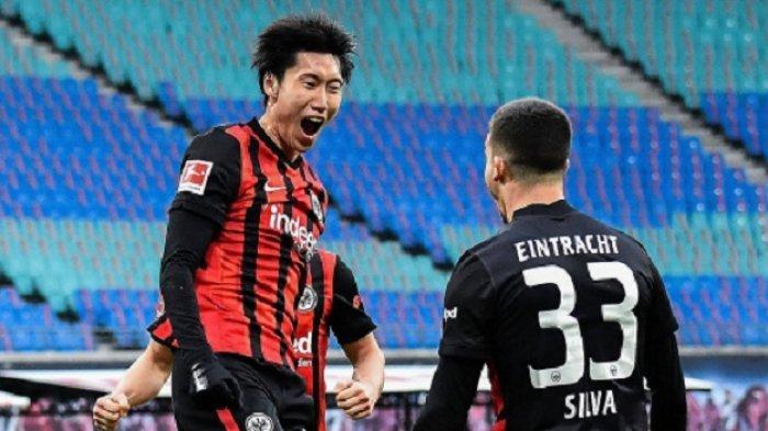 Update Transfer AC Milan: Olivier Giroud Segera Tes Medis, Barter Playmaker Jepang dan Hauge Menanti
