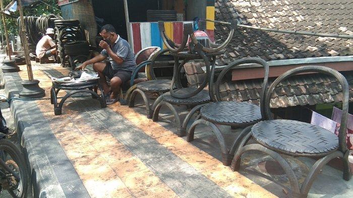 Usaha Kursi Taman dari Ban Bekas di Klaten Tetap Banjir Pesanan saat Pandemi COVID-19
