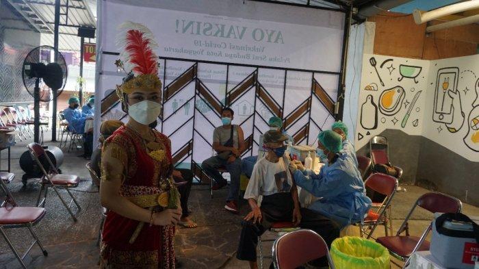 Para Pelaku Seni dan Budaya di Kota Yogyakarta Ikuti Kegiatan Vaksinasi Covid-19