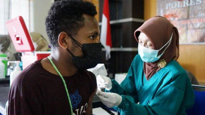 Vaksinasi Massal di Polres Kota Magelang Mulai Sasar Kelompok Remaja