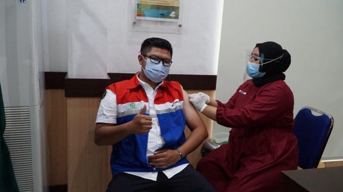 Sebanyak lebih dari 200 pekerja dan mitra kerja Pertamina Pemasaran Regional Jawa Bagian Tengah (RJBT) ikut berpartisipasi melaksanakan vaksinasi