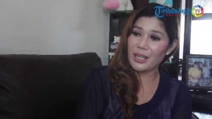 NEWSVIDEO : Wina Lia, Wanita yang Siap Dinikahi Calon Pembeli Rumahnya