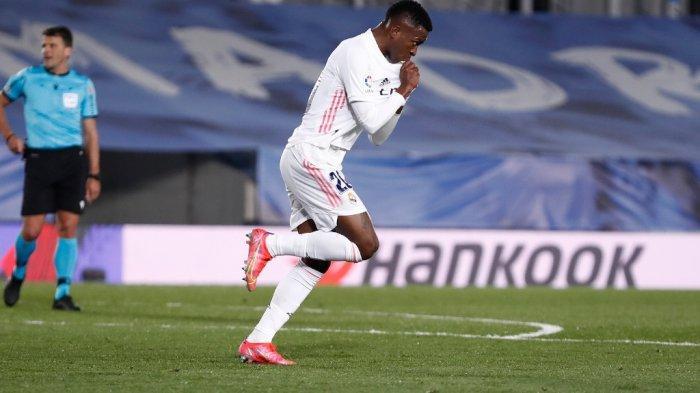 Selebrasi pemain Real Madrid, Vinicius Junior seusai mencetak gol penyeimbang kedudukan kontra Real Sociedad, Selasa (2/3/2021) dini hari WIB.