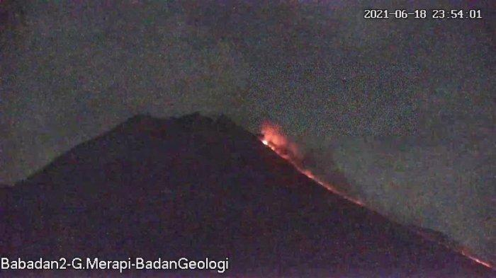 UPDATE Gunung Merapi 19 Juni 2021, Keluarkan 16 Kali Guguran Lava Pijar Jarak 2 Km Menuju Barat Daya
