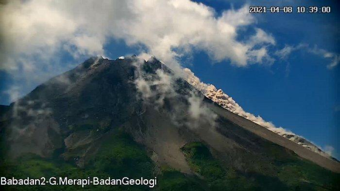 UPDATE Gunung Merapi, Keluarkan 15 Kali Guguran Lava Pijar, Jarak Luncur Hingga 1 Km