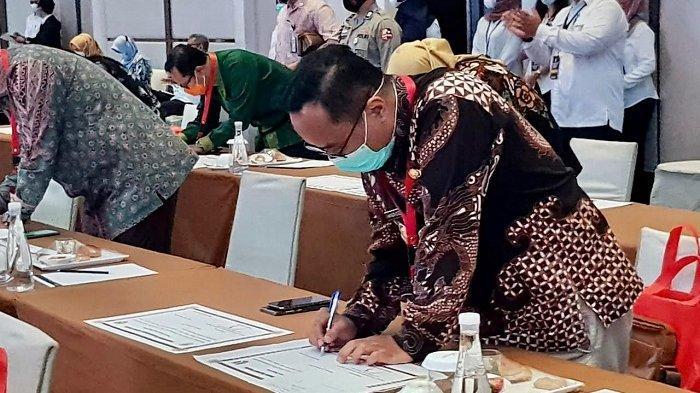 Layani Warga Secara Terpadu dan Berbasis TI, Wali Kota Magelang Tanda Tangani Penyelenggaraan MPP