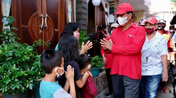Hindari Penumpukan Massa, Wali Kota Magelang Serahkan 182 Paket Sembako Door to Door