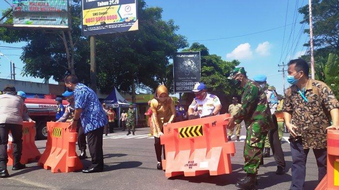 Pemkot Magelang Buka Barikade Akses Jalan Protokol