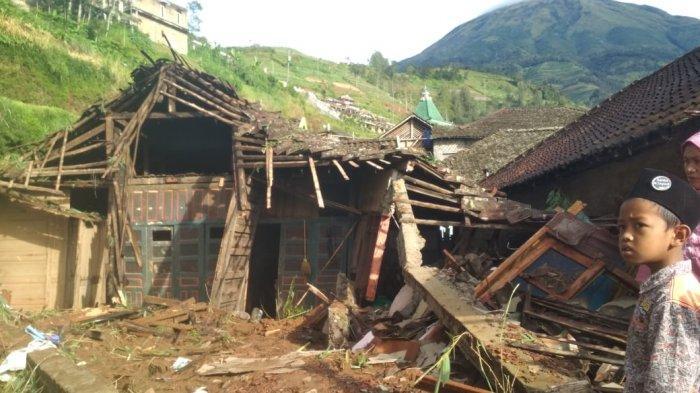 Longsor di Desa Adipuro Kaliangkrik Magelang, Warga Dengar Suara Tangisan di Balik Reruntuhan