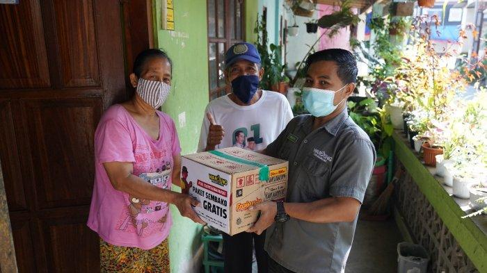 #SOLIDARITASDARURAT Waroeng Steak & Shake Bagikan 1.000 Paket Sembako Gratis di Berbagai Kota