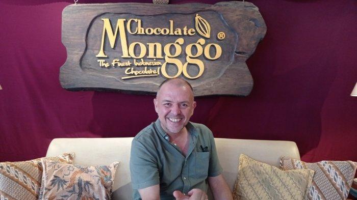 Pendiri Cokelat Monggo, Thierry Detournay.