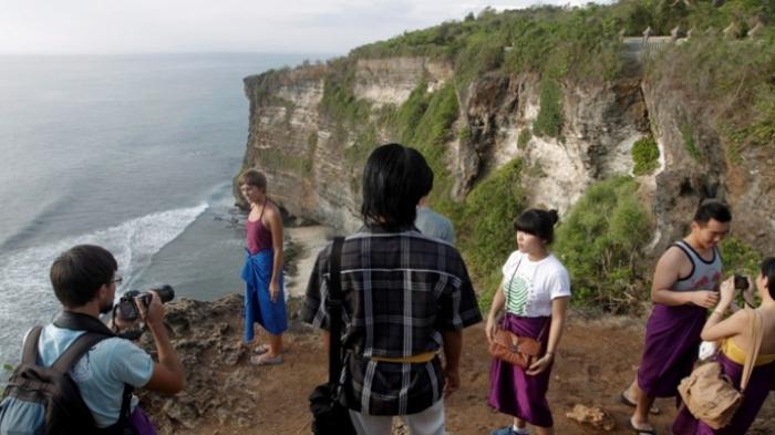 Aturan Terbaru, Wisatawan ke Bali Wajib Swab Test, Berlaku 18 Desember 2020 Hingga 4 Januari 2021