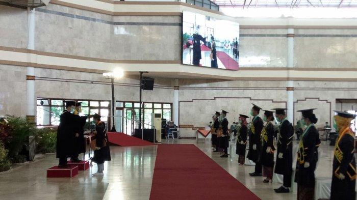 UPN Veteran YogyakartaGelar Wisuda yang Diikuti657 Mahasiswa Secara Daring dan Luring
