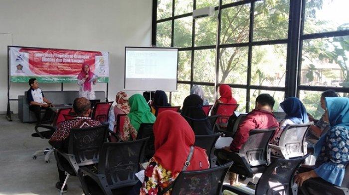 Universitas Janabadra Yogyakarta Gelar Workshop Pengelolaan Keuangan BUMDes dan Bank Sampah