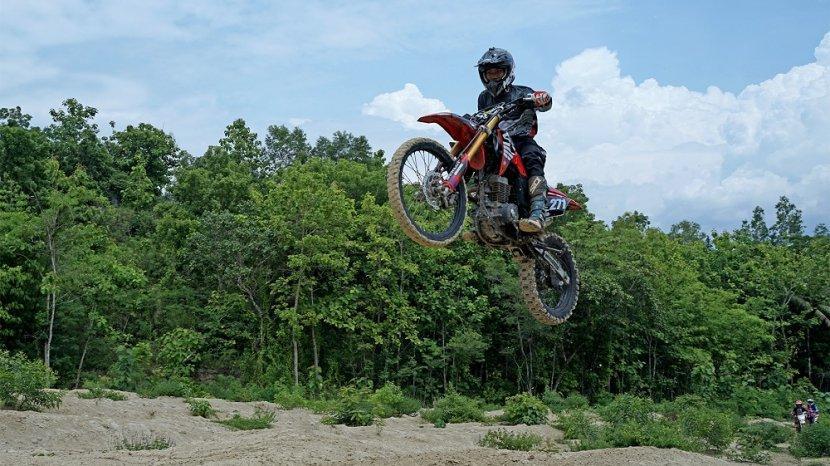 astra-motor-yogyakarta-gelar-crf150l-jelajah-alam.jpg
