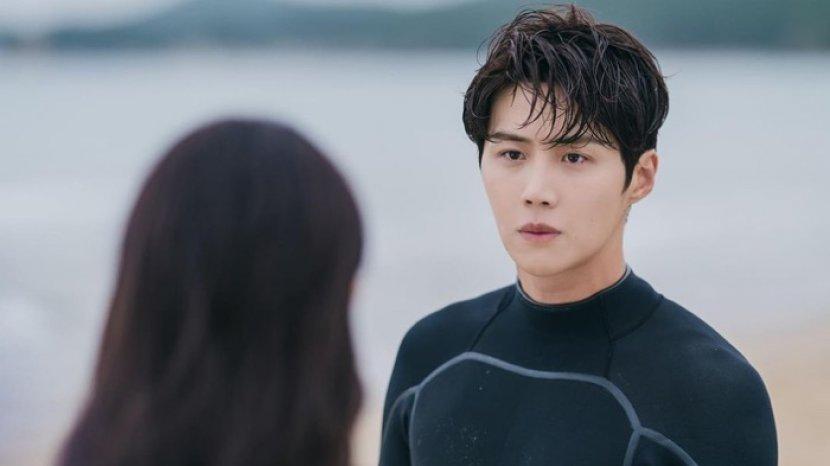 drama-korea-hometown-cha-cha-cha-siap-tayang-28-agustus-2021-di-netflix.jpg