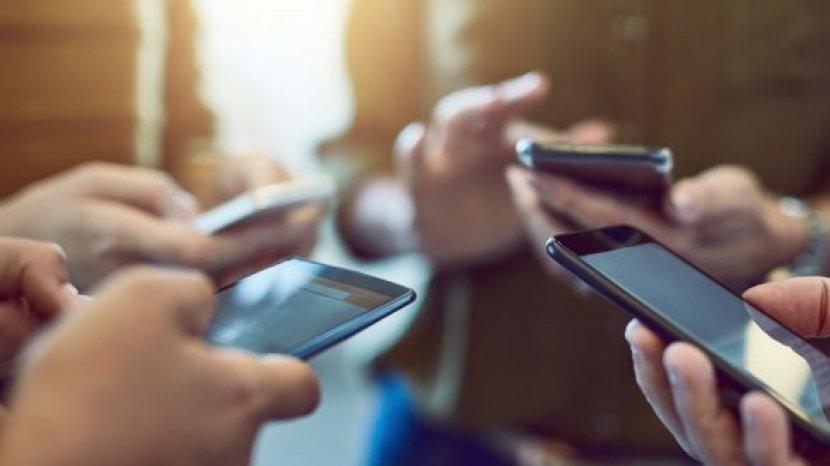 lima-tahun-terakhir-masyarakat-kecanduan-ponsel-pintar-di-korea-selatan-meningkat-1.jpg
