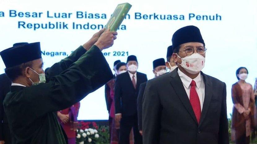 presiden-jokowi-lantik-17-dubes-baru-salah-satunya-fadjroel-rahman.jpg