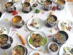 12-varian-menu-signature-food-yang-dihadirkan-royal-darmo.jpg