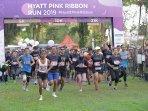 1200-pelari-berdonasi-untuk-pejuang-kanker-di-hyatt-pink-ribbon-run-2019.jpg