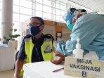 300-petugas-garda-depan-di-bandara-yia-telah-divaksinasi-covid-19-dosis-pertama.jpg