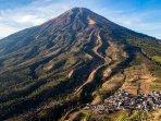 8-gunung-di-indonesia-yang-ditutup-untuk-pendakian.jpg