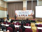 980571-pemilih-masuk-dps-hp-pemilu-2019-di-kabupaten-magelang_20180722_182216.jpg