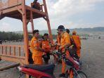 ada-puluhan-rescuer-kantor-basarnas-diyogyakarta-yang-disebar-di-sejumlah-pantai_20180619_175722.jpg