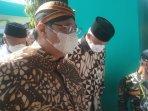 airlangga-ganjar-tampil-mesra-hadiri-tradisi-ya-qowiyyu-klaten-terkait-pilpres-2024.jpg