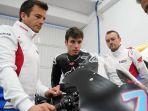 alex-marquez-bersama-repsol-honda-team-motogp-2020.jpg