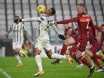 alex-sandro-dan-rick-karsdorp-di-liga-italia-serie-a-juventus-vs-roma-6-februari-2021.jpg