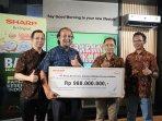apresiasi-tenaga-kesehatan-indonesia-tangani-covid-19-sharp-indonesia-donasikan-rp-980-juta.jpg