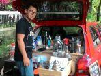 ardhy-dengan-mobil-toyota-starlet-tuanya-membuka-usaha-cafe-keliling_20180401_073223.jpg