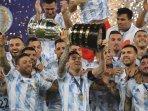 argentina-angkat-trofi-conmebol-copa-amrica-ke-15.jpg
