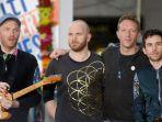 band-coldplay-merilis-lirik-video-lagu-everyday-life.jpg