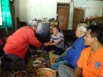 bantu-warga-gunungkidul-yang-alami-kekeringan-poltekkes-kemenkes-yogyakarta-beri-bantuan-air-bersih_20180708_171536.jpg