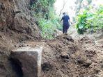 batu-diduga-anak-tangga-ondo-budho-ditemukan-di-gunung-sipandu-dieng-begini-kondisinya.jpg