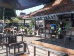 begini-respon-pengelola-kafe-di-yogyakarta-keberatan-soal-pembatasan-20-menit-makan-di-tempat.jpg