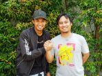 bek-psim-jogja-achmad-hisyam-tolle-bersalaman-dengan-jurnalis-goal-indonesia.jpg
